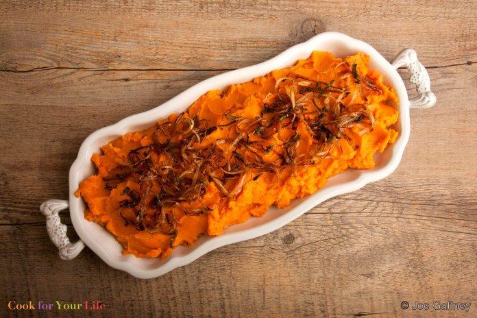 Crujiente Puré de Patatas con Chalotes y Sirope de Arce Recipe Image