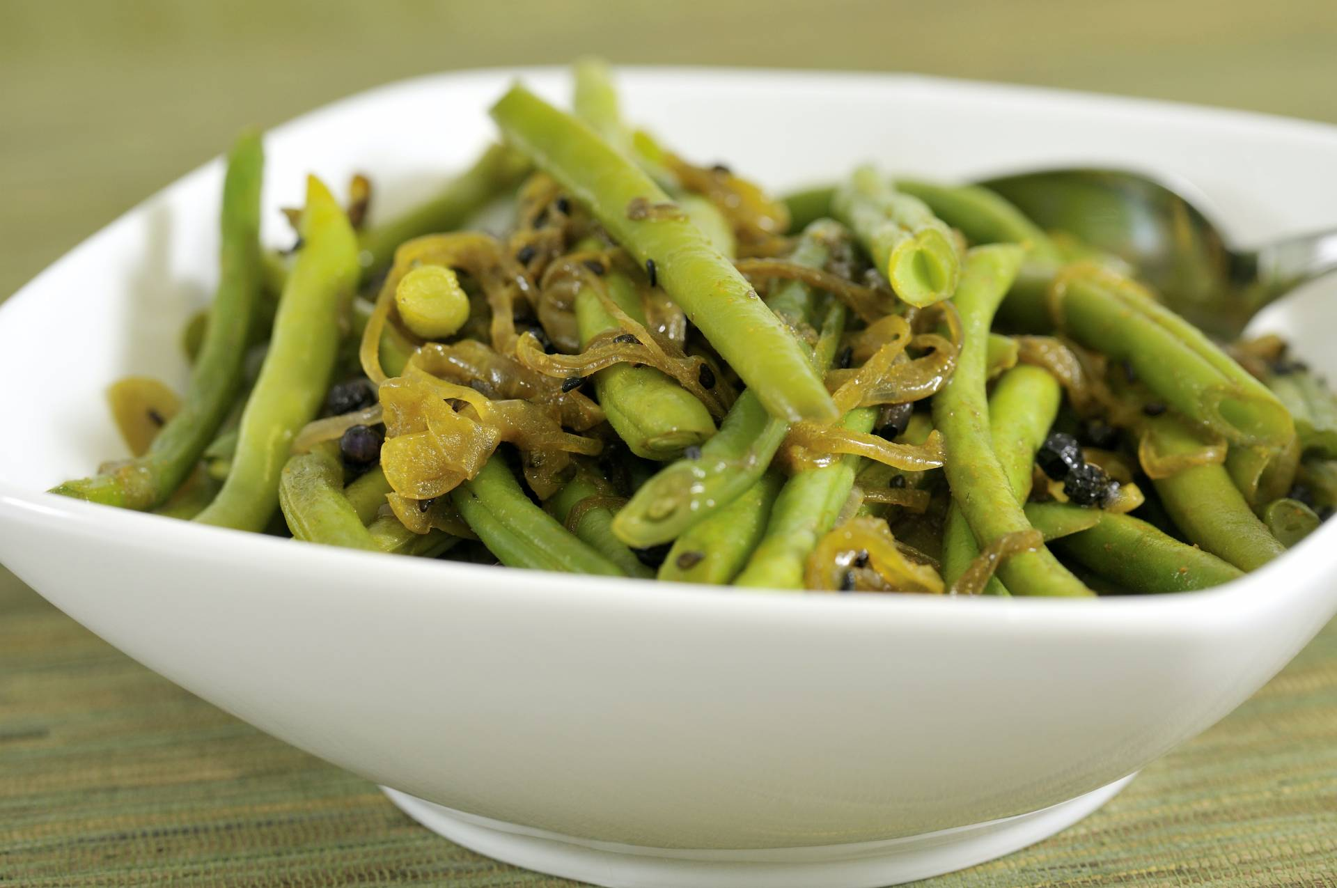 Curried Green Beans With Onions