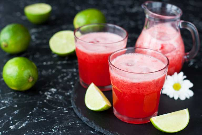 Fresh Strawberry, Apple & Lime Juice Recipe Image
