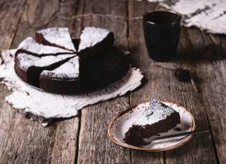 Flourless Chocoholic Cake
