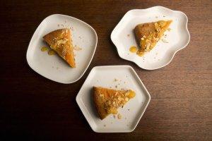 Pastel de Albaricoque y Almendras Recipe Image