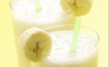 Banana, Orange & Kiwi Smoothie- anti-cancer recipes- cook for your life