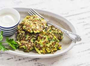 Buñuelos de coliflor, maíz y calabacín Recipe Image