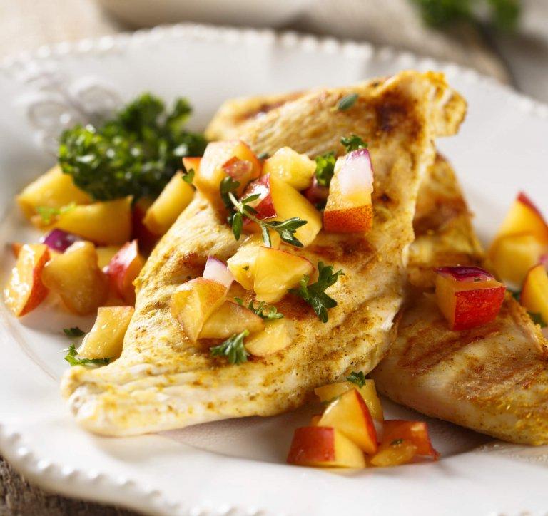 Pollo en Salsa de Durazno y Ciruela Recipe Image