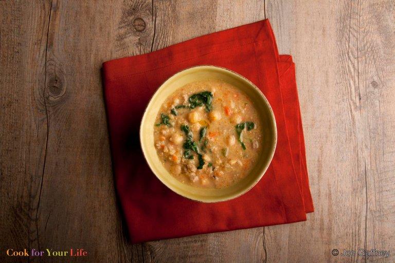 Sopa de Garbanzos y Salchichas Recipe Image