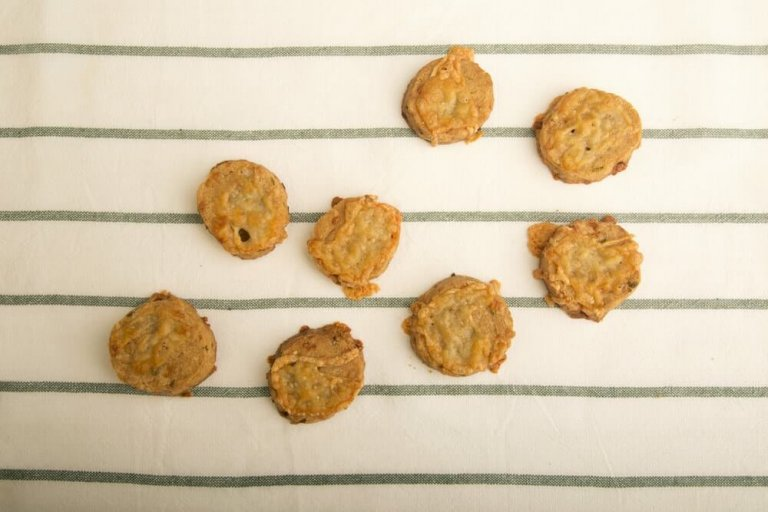 Chive Cayenne Shortbread Cookies Recipe Image