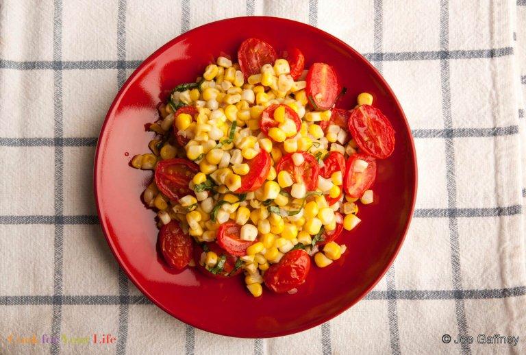 Ensalada de Maíz y Tomates Recipe Image