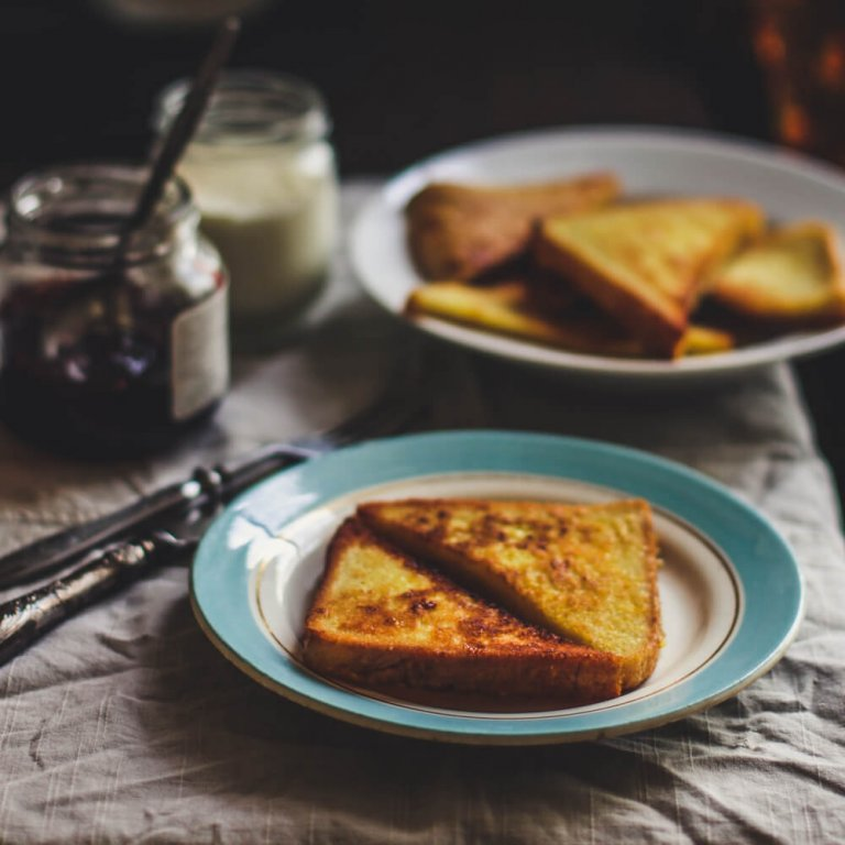 French Toast with Honeyed Yogurt Tahini Sauce Recipe Image