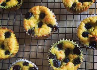 Mini Blueberry Buckle Cakes with gluten-free fresh corn