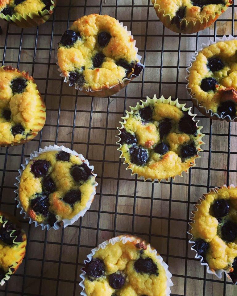 Mini Magdalenas de Arándano con Maíz Libres de Gluten Recipe Image