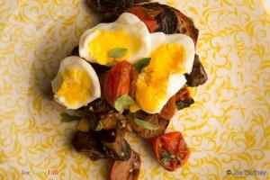 Tostada de Huevo y Setas Recipe Image