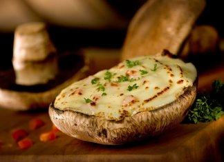 Personal Portobello Buffalo Chicken Pizza - Cook for Your Life - Anti-cancer Recipes