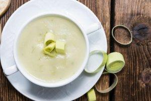 Sopa de Puerros y Papas Recipe Image