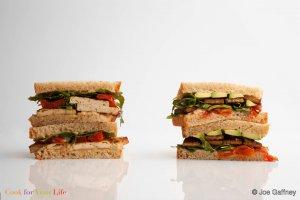 Sándwich Sureño de Tempeh Recipe Image