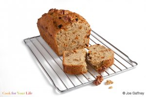Pan de Banana, Pasas y Nueces Recipe Image