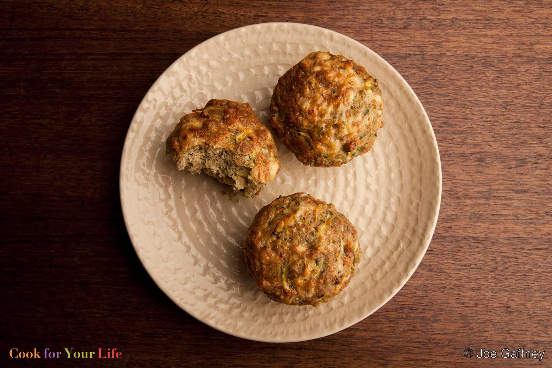 Zucchini, Cheddar & Quinoa Muffins - Muffins de Calabacín, Chedar, y Quinoa, Anti-cancer recipes - Cook for Your Life