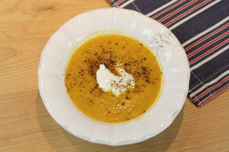 Sopa de Zanahoria, Lentejas y Jengibre Recipe Image