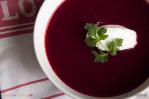 Sopa de Betabel y tomate Image