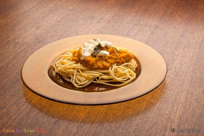 Pasta de Calabaza y Salvia Recipe Image