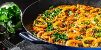 Cauliflower-Rice-paella-with-Shrimp