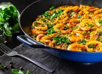 Cauliflower-Rice-paella-with-Shrimp